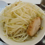 ジャンクガレッジ - ラーメン(濃厚豚骨醤油ラーメン)¥720-