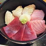 59991796 - 炙り丼(大トロ5枚)