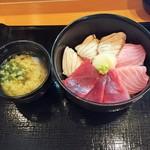 59991798 - 炙り丼とお味噌汁