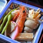 兼六園 三芳庵 - 海老、バイ貝、煮こごり、かまぼこ、鶏肉、枝豆。 見た目もきれいな上、どれも美味しい~! ひとつひとつとても丁寧に調理されてるのが分かります。