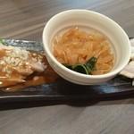 中国四川料理 民 - クラゲの冷菜入り三種前菜盛り合わせ
