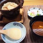 ホテルニューアワジプラザ淡路島 - 松茸ご飯        鯛と松茸の赤出し