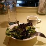 銀座フォワグラ - サラダとオニオンスープもつきます