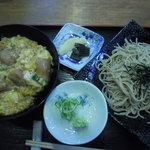 丸福 - 親子丼小ざるそば