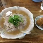 60003048 - チャーシュー麺(大)、いなり寿司