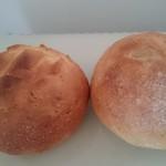60003791 - 店内で購入した丸パン。温め直して美味しく頂きました