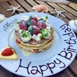 モエナ カフェ - バースデーパンケーキ イメージ2