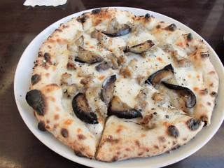 Pizzeria la fornace - 秋ナスとサルシッチャのビアンカ