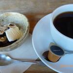 むしか - ホットコーヒーとちょっぴりおやつ?