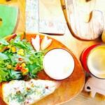 F ベーコン&ポテサラチーズトーストモーニング