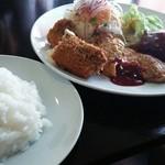 60014896 - 限定50食  週替りのランチセット1080円  コハダフライ・ピカタ・名物ハンバーグ