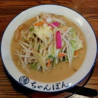 ちゃんぽん 一鶴 - 料理写真:ちゃんぽん(950円)