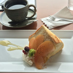 MARE - 珈琲とりんごのシフォンケーキ