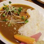 60023163 - 【ランチ】 鶏もも肉丸ごと一枚 カレー \680