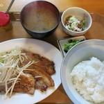 静岡屋食堂 - 豚バラのしょうが焼き定食500円+納豆50円
