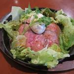 お肉キッチン 粟山バル ランタン - 鉄板 ローストビーフ丼