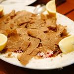 Enoteca Vita - マルケ州アクアラーニャ産黒トリュフと桜肉(馬ヒレ肉)のカルパッチョ