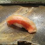 のんき寿司 - 金目の漬け炙りです。おなじみですが、美味しいです。
