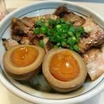 60031774 - ローストポーク丼(味玉入り)