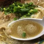 60032360 - スープは本格的な豚骨スープ