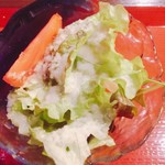 國枝鮮魚店 - サラダはレタスとトマト(^^)