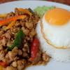 バーン クン ポー - 料理写真:カオガパオ [鶏肉のバジル炒めとライス] Stir-fried chicken with holy basil