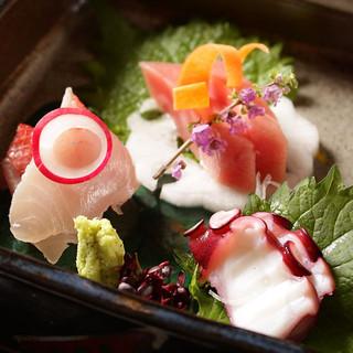 新鮮なお刺身、焼魚