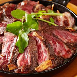 お肉本来の味を存分に楽しめる!プライムポンドビーフステーキ!