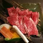 極上松阪牛 牛追道中 - 肉皿アップ