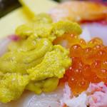 味館食堂 - 特上海鮮丼アップ