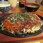 常盤屋べんべん - A肉玉そば 860円。