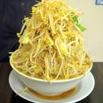 今を粋ろ - 料理写真:2016年12月 ラーメン(750円)野菜、アブラ、カラメましまし