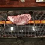 焼肉のにくよし - 和牛厚切ロース