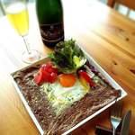 ガレット&カフェ クランプーズ - 料理写真:定番のガレットコンプレ