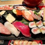 まぐろと魚貝とうまい酒 成増 寿し常 - 店長おすすめにぎり1180円(税別)