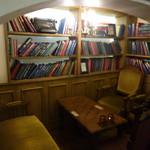エンジェル ライブラリー - こちらはちょっと広めのお席