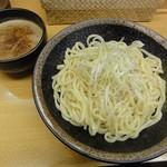 つけ麺 渡辺 - つけ麺(平打ち太麺(中)・濃厚魚介MIX)