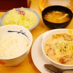 松屋 - 鶏と白菜のクリームシチュー定食¥630