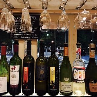 リーズナブルなグラス&ボトルワインを多数取り揃えております!