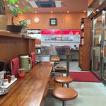 らーめんの力麺 - 店内をパシャ 平日の夕方18時過ぎ