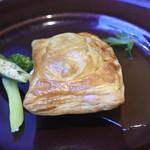 ホーム・プラス - 料理写真:国産牛ほほ肉の赤ワイン煮込みパイ包み焼