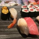 三寿司 - 上にぎり(の一部)