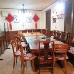 中華料理 祥宇 - 入口方面より奥の席