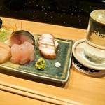 金寿司 - お造り盛り合わせ & 冷酒(国稀)