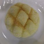 60081287 - ミニメロンパン(60円+税)