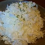 クラフトビアバー アダージョ - キャベツの千切りサラダ