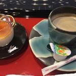 紫雲閣 - 料理写真:ウエルカムサービスのコーヒーと手作りプリン