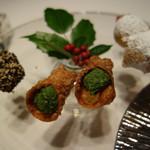 リストランテ プリマヴェーラ - 小菓子:ブランマンジェ、カンノーリ、ゼッポリーニ