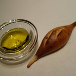 リストランテ プリマヴェーラ - 自家製パンとオリーブオイル