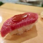 入船寿司 - 大トロニンニク醤油